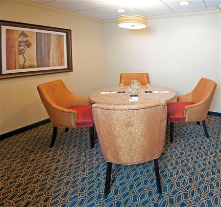 Tysons Corner Marriott - The Corner Room