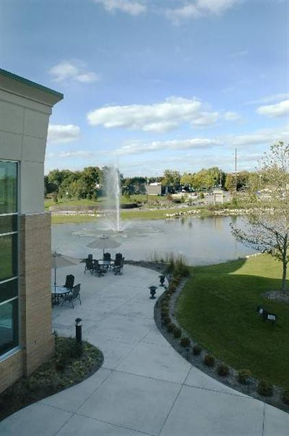 Creekside Business Center - Outdoor Patio