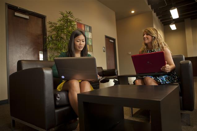 Cowork Suites - Coworking Community Lounge