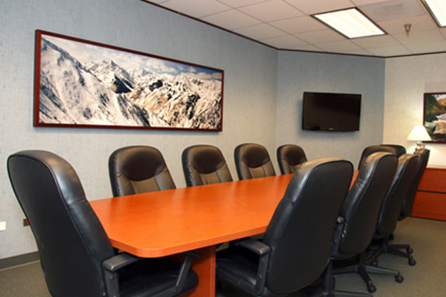 Boardroom Workplaces - Cherry Creek - Rocky Mtn-Conf Rm (12 ppl)