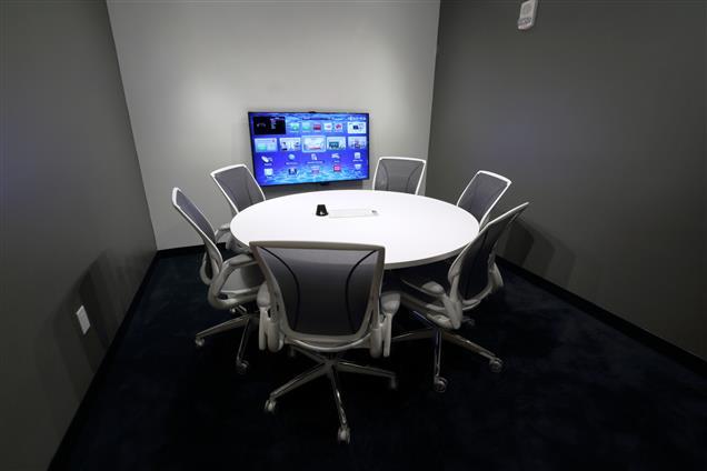 Ala Moana Center for  Business - Meeting Room