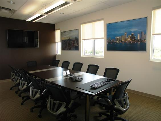 Hampton Business Center - Pines - Conference Room