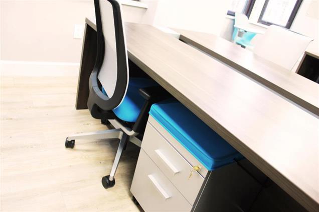 Benjamin's Desk - 1701 Walnut - 1701 Walnut Open Desk: Day Pass