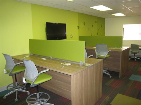 VenturePoint Medical Center - Work Station (Green Room)