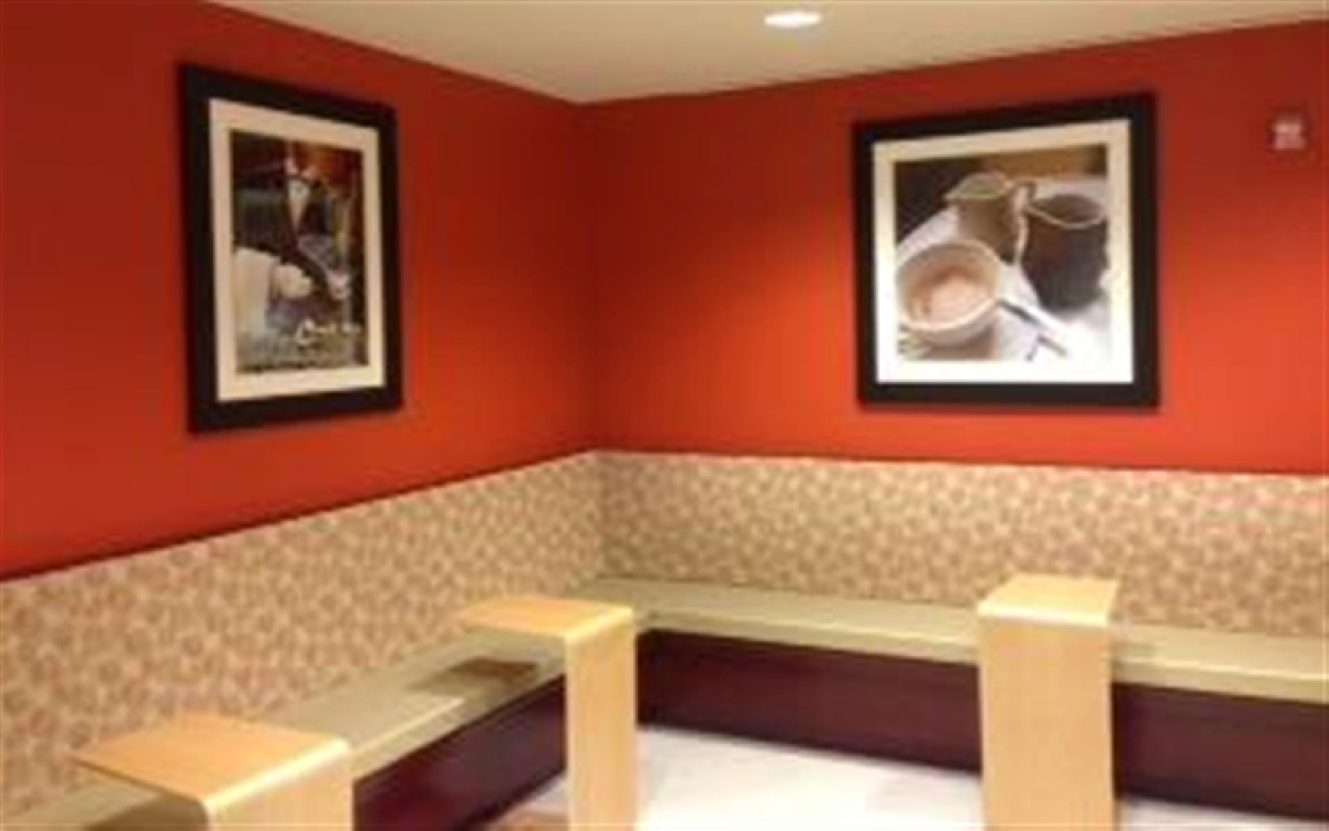 Metro Offices - Chevy Chase - Business Lounge