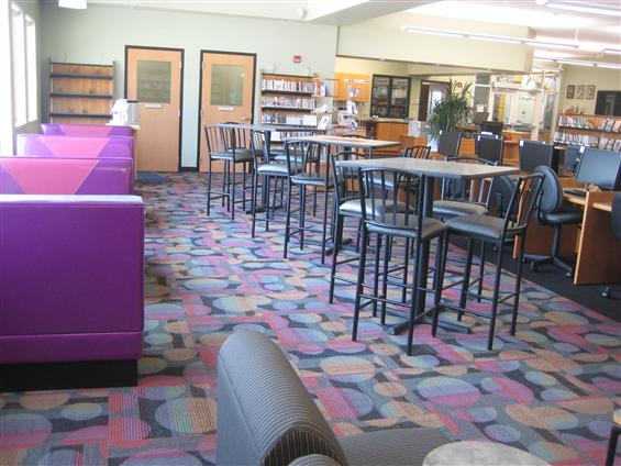 Lomira QuadGraphics Community Library - Cafe-Style Co-Working Space